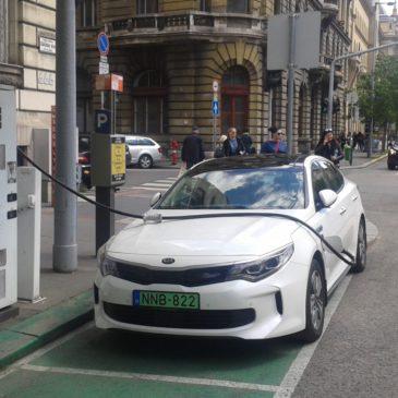 Ingyen parkol, de messzire is elmegy – KIA Optima Plug-in Hybrid