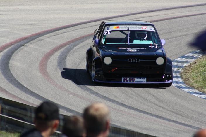 Még hogy Svájcban nincs autóverseny?